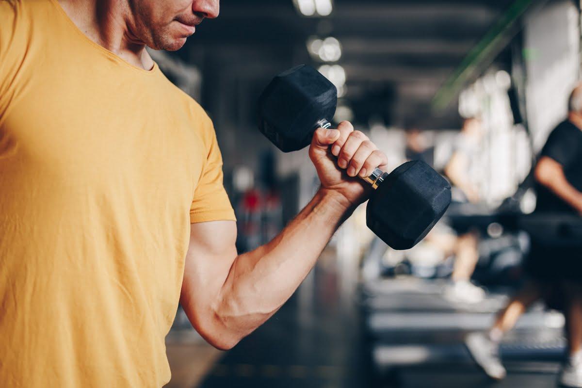 Corretta respirazione negli esercizi con i pesi